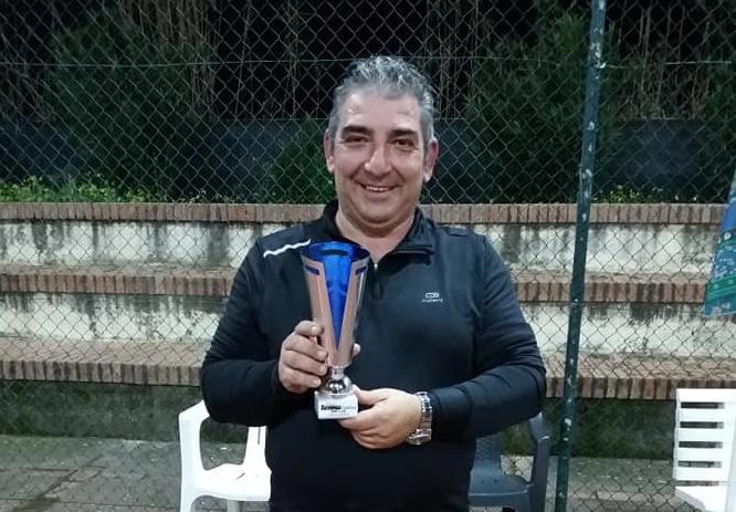 Enzo Maffei che chiudera la prima giornata contro Dominique Molino