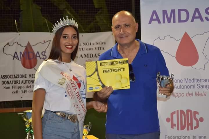 Chiara Siciliani e Ciccio Patti premiato come il tennista più esperto del torneo