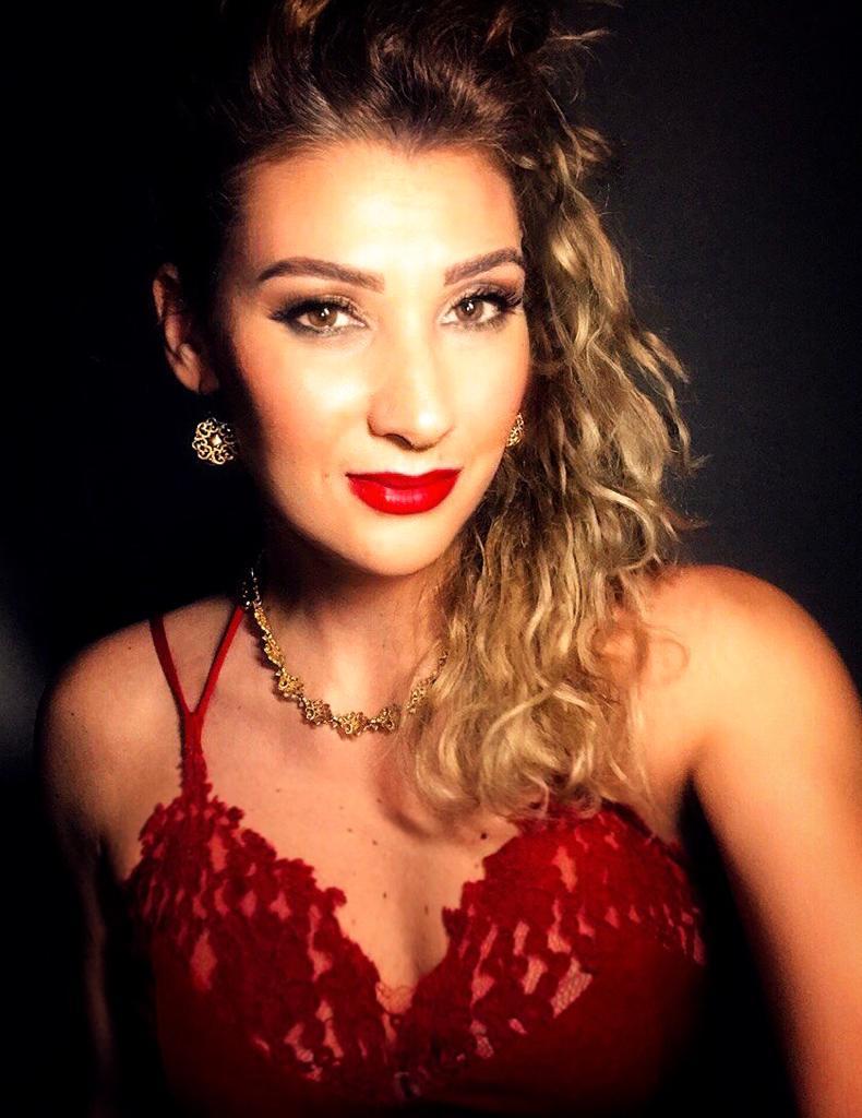 La cantante Aneresss
