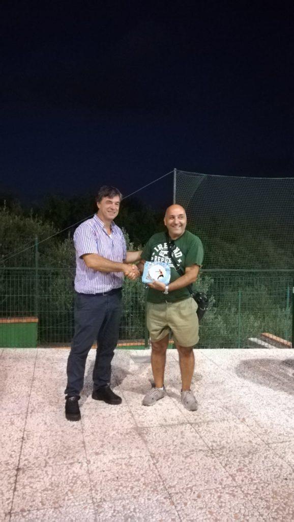 Maurizio Parisse premiato dal Dott. Tambato